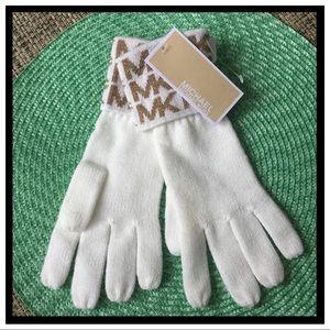 NWT Michael Michael Kors Gloves
